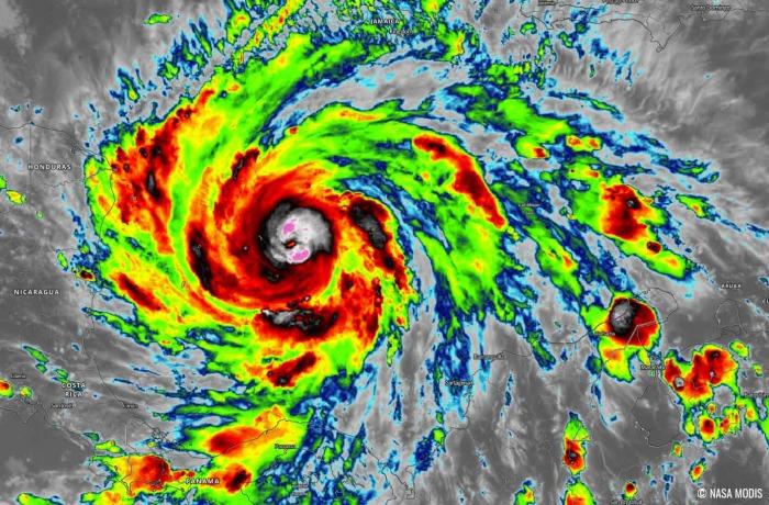 hurricane-iota-landfall-nicaragua-infrared-satellite