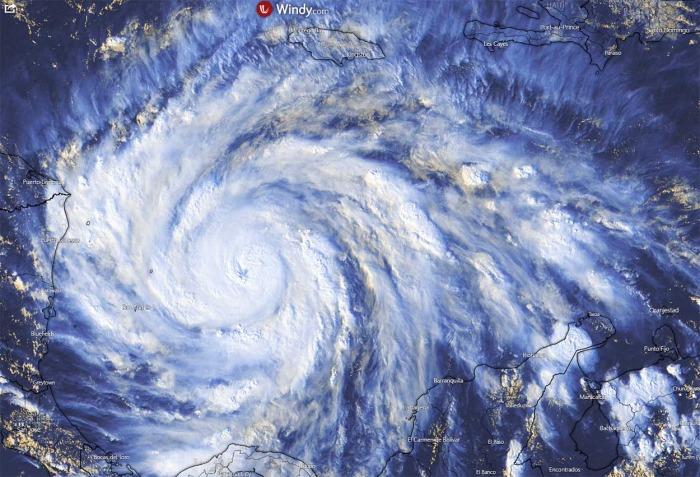 hurricane-iota-landfall-nicaragua-visible-satellite