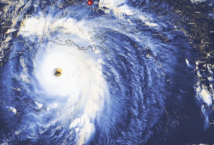 hurricane-laura-visible-satellite