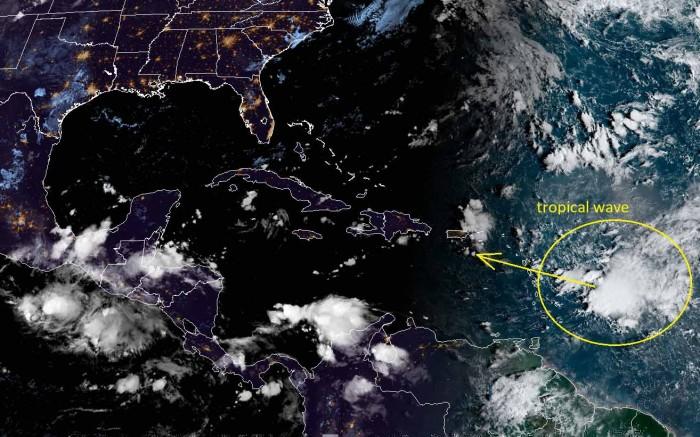 hurricane-season-atlantic-united-states-epsilon-geocolor-satellite