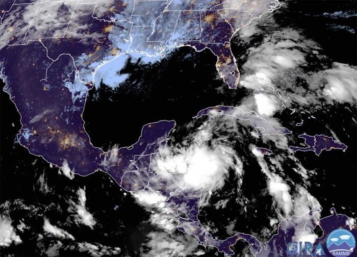 hurricane-zeta-yucatan-gulf-coast-geocolor-satellite