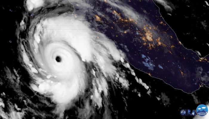 major-hurricane-genevieve-geocolor
