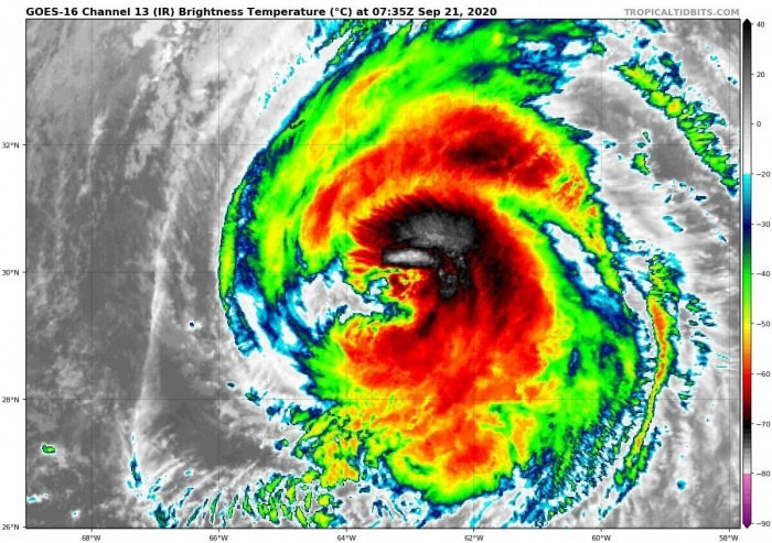 teddy-canada-landfall-infrared-satellite