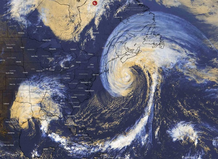 teddy-landfall-visible-satellite