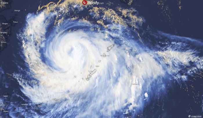 typhoon-bavi-visible-satellite