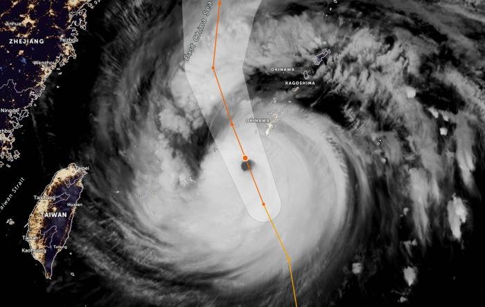 typhoon-maysak-geocolor-satellite
