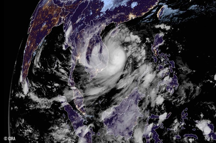 typhoon-molave-vietnam-flooding-geocolor-satellite