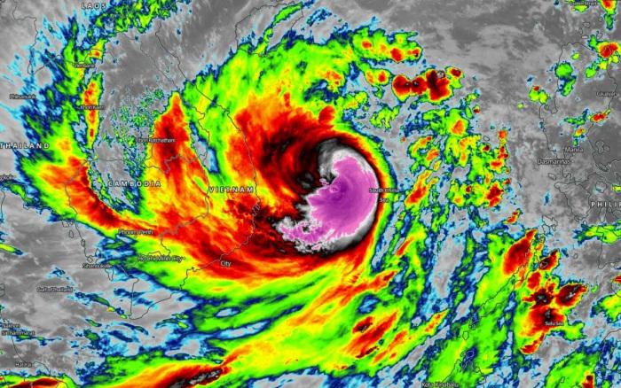 typhoon-molave-vietnam-flooding-infrared-satellite