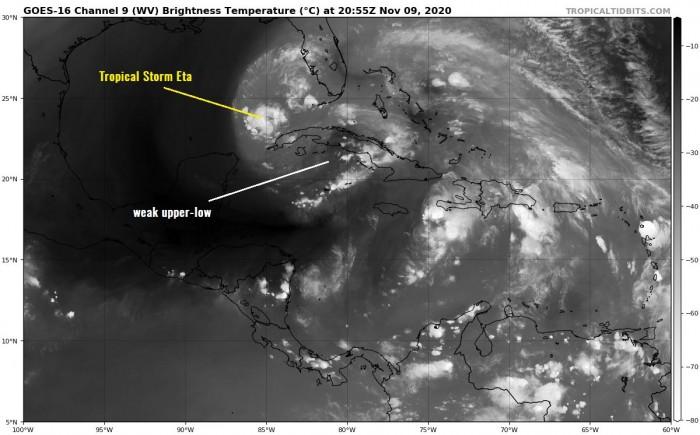 united-states-storm-eta-water-vapor-satellite