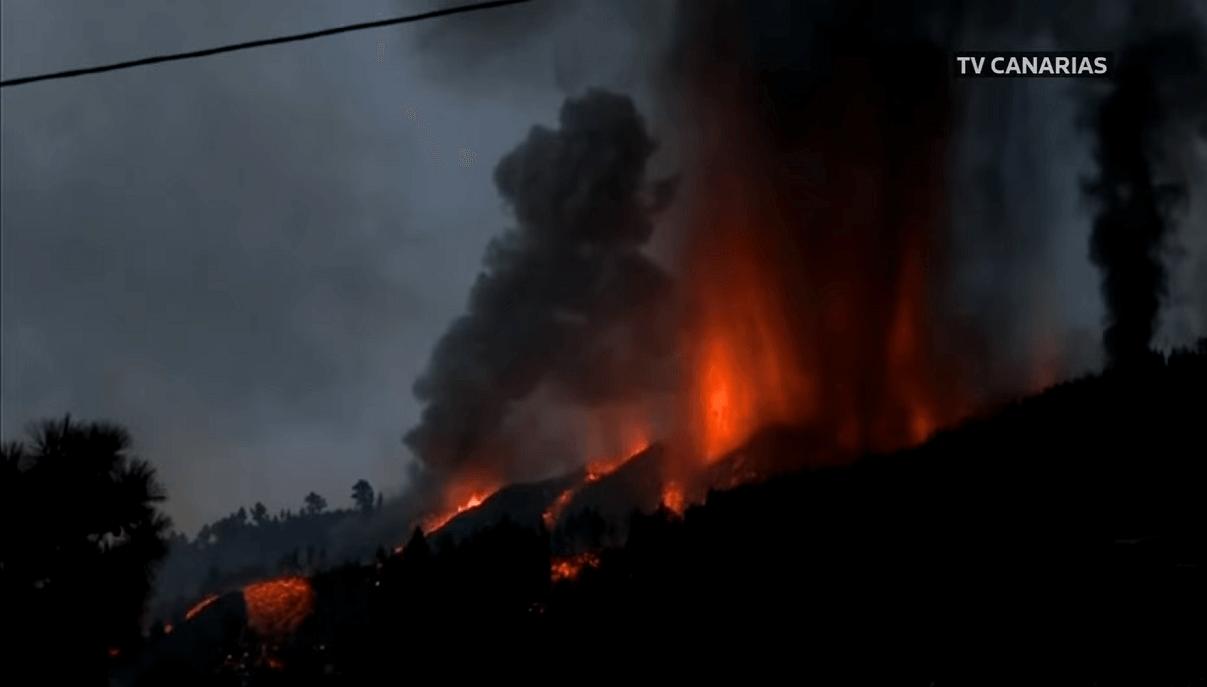 la-palma-cumbre-vieja-volcano-canary-islands-2021-eruption-start