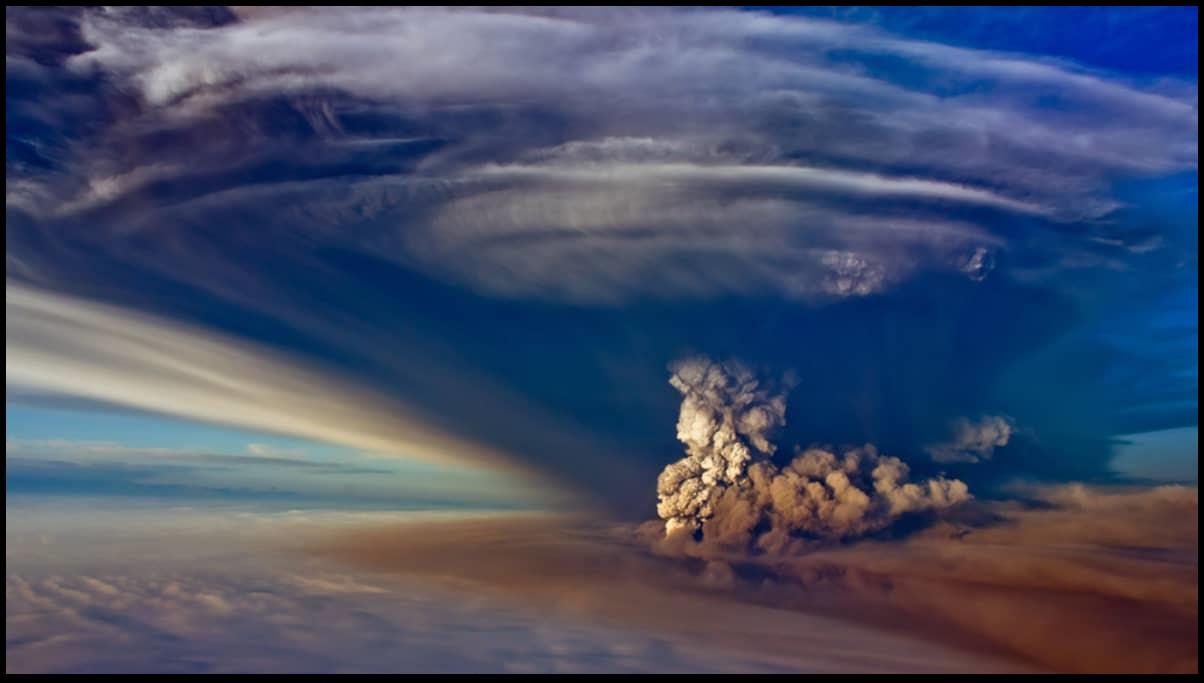 massive-ash-cloud-during-grimsvotn-volcano-eruption
