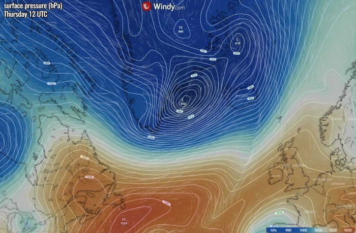 bombogenesis-cyclone-iceland-waves-pressure-thursday-afternoon
