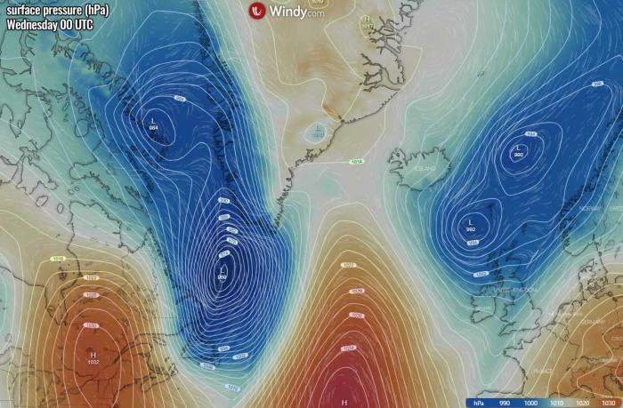 bombogenesis-cyclone-iceland-waves-pressure-wednesday-morning