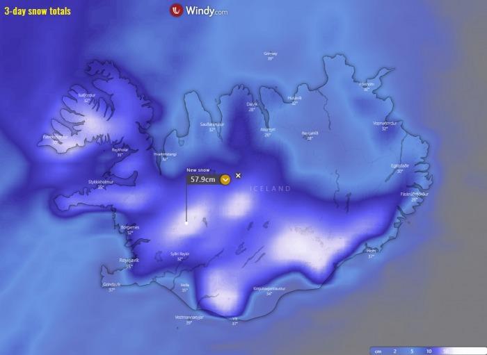 bombogenesis-cyclone-iceland-waves-snow-total