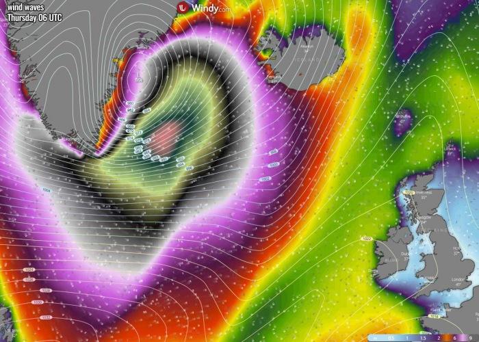 bombogenesis-cyclone-iceland-waves-thursday-morning