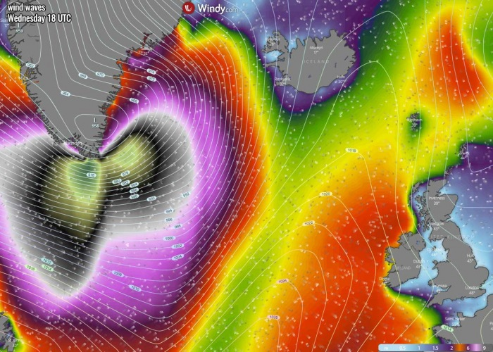 bombogenesis-cyclone-iceland-waves-wednesday-evening