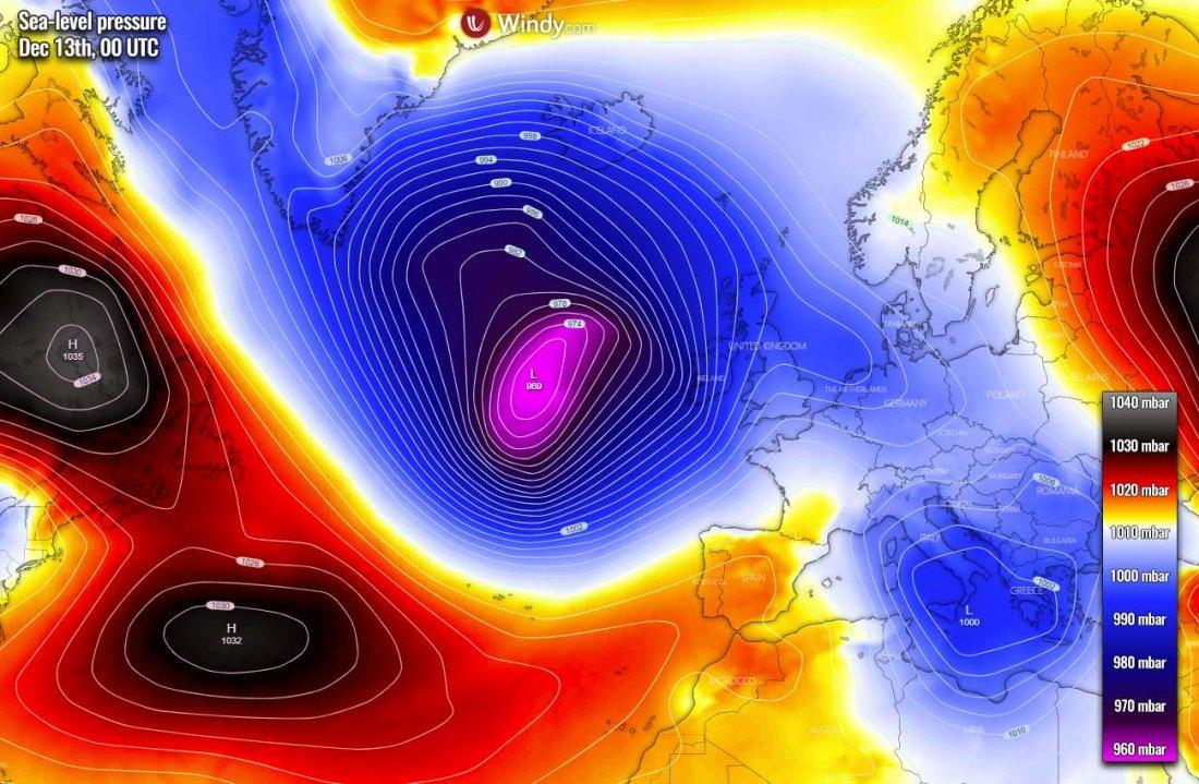 extratropical-storm-north-atlantic-uk-ireland-pressure-sunday