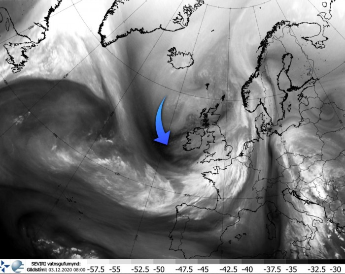 extreme-snow-italy-alps-europe-water-vapor-satellite