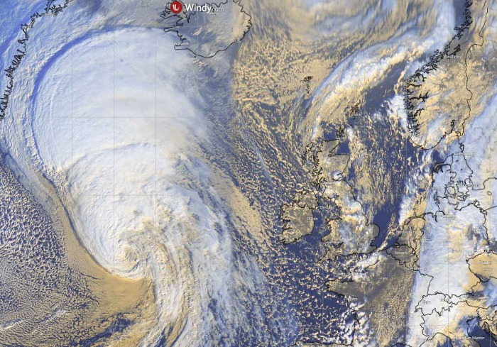 hurricane-epsilon-extratropical-north-atlantic-visible-satellite
