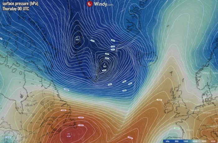 iceland-windstorm-waves-pressure-thursday-morning