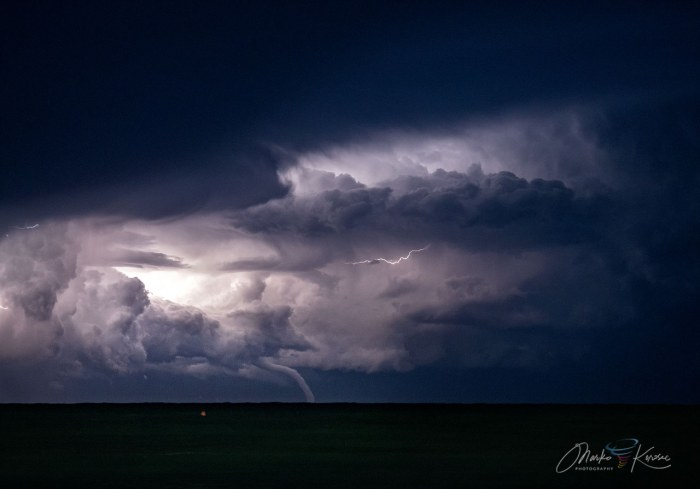 waterspout-adriatic-lightning-clouds