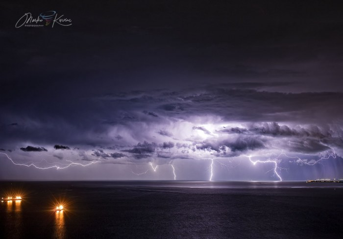 waterspout-adriatic-lightning-prosecco