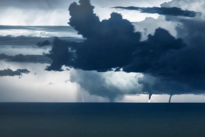 waterspout-adriatic-niccolo-ubalducci-rimini