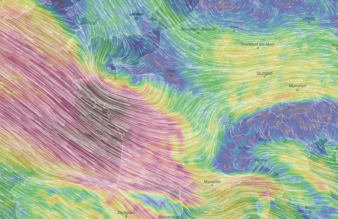 Sting jet & powerful windstorm across Brittany, NW France