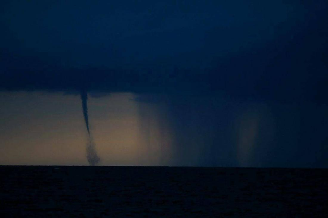 03102017_waterspout_Malta_Santiago_Soliver_Diaz_2