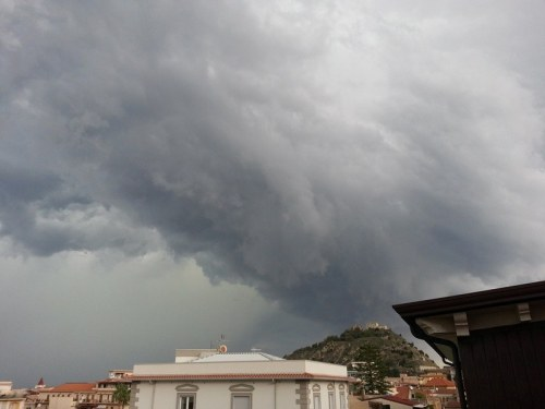 11102013_sicily_supercell_base_mesocyclone_shelf