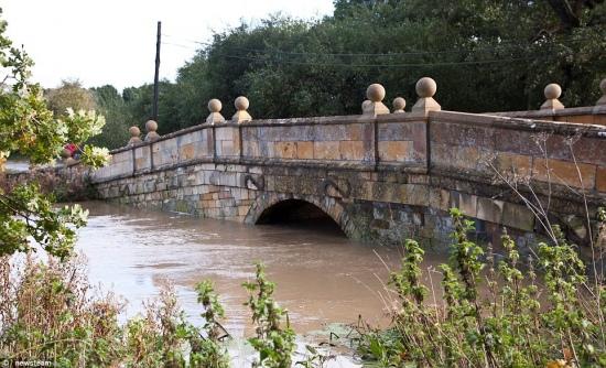 20131028_uk_floods2