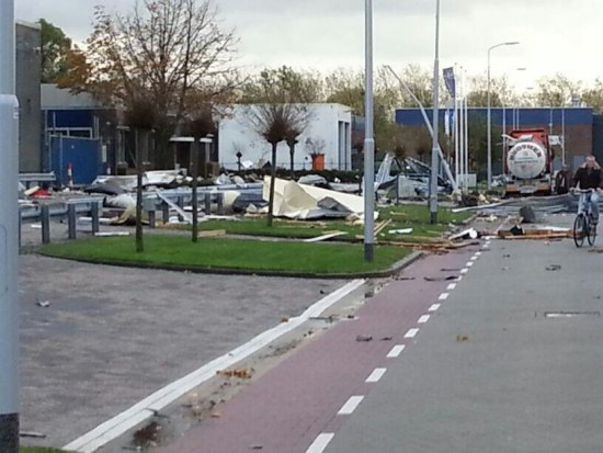 20131103_damage_nl_torn