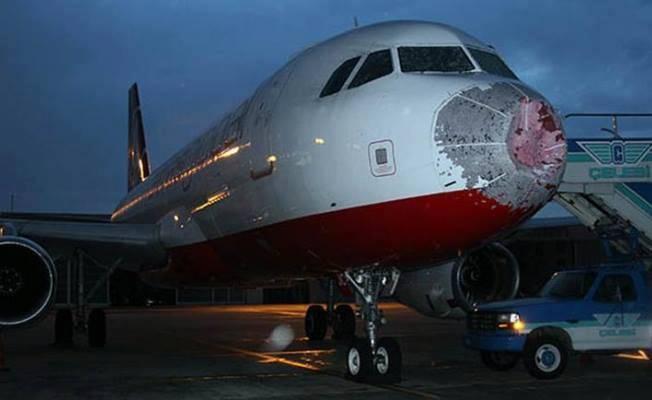 30072017_hailstorm_airplane_damage_4