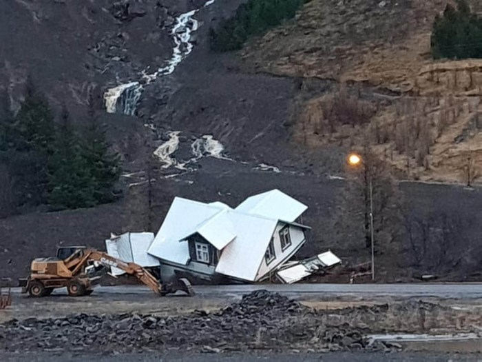 extreme-rain-iceland-landslide-destroyed-house