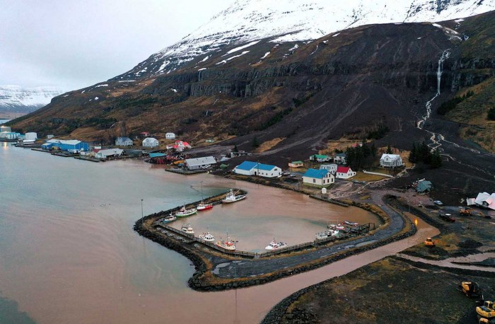 extreme-rain-iceland-landslide-helicopter-view