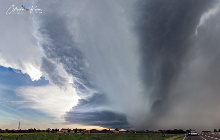 supercell-outbreak-hail-shaft