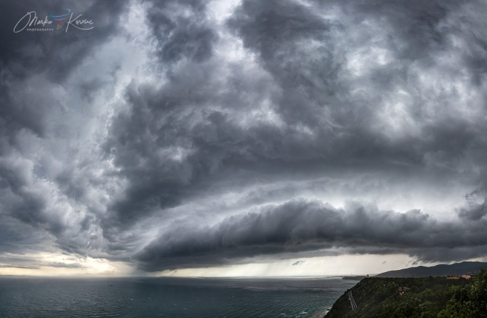 supercell-outbreak-shelf-cloud-trieste-gulf