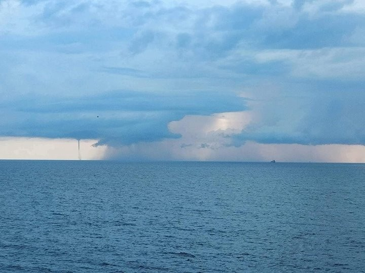 03102017_waterspout_Malta_Santiago_Soliver_Diaz_1