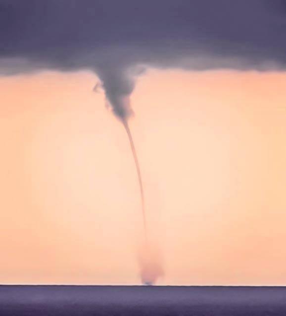 03102017_waterspout_Malta_Stefan_Mintof