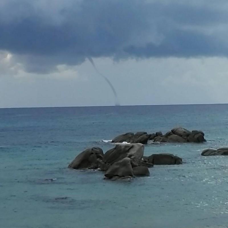 03102017_waterspout_Sardinia_Tortoli