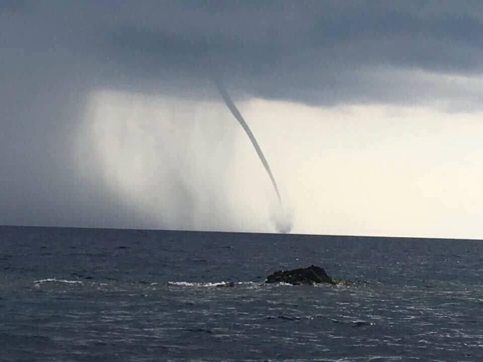 03102017_waterspout_Ustica_Sicily_Cavallaro_Valerio_1