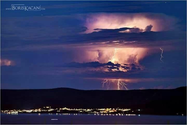 04072017_Adria_Lightning_1
