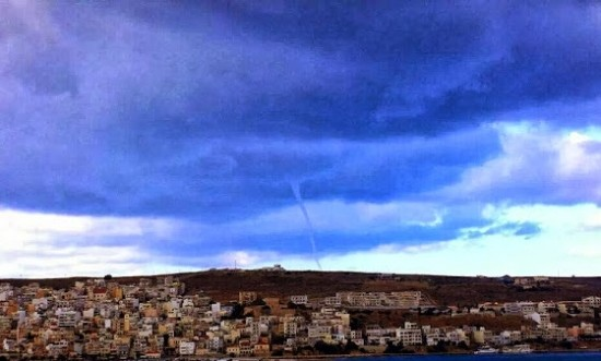 20131019_siteia_waterspout
