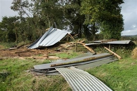 20131022_severe_wind_damage_keraunos