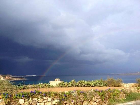 20131101_malta_shelf_cloud_2_rainbow