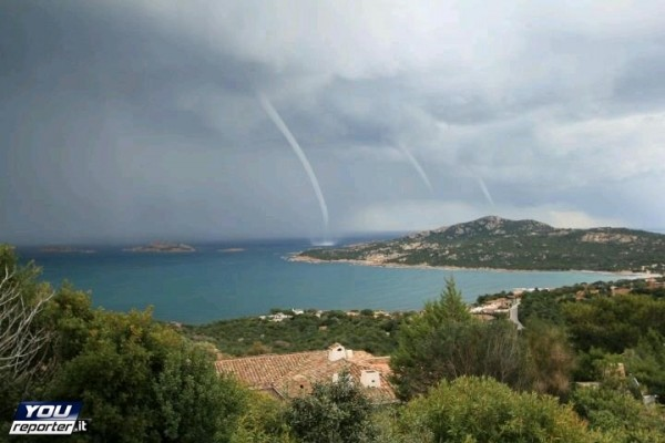 20131105_bosa_waterspouts_youreporter
