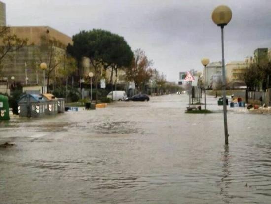 2013111_bora_storm_surge_cesenatico-copy