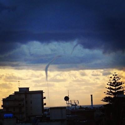 20131121_scoglitti_waterspout_1