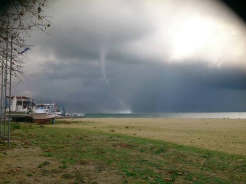 20131124_north_aegean_waterspout