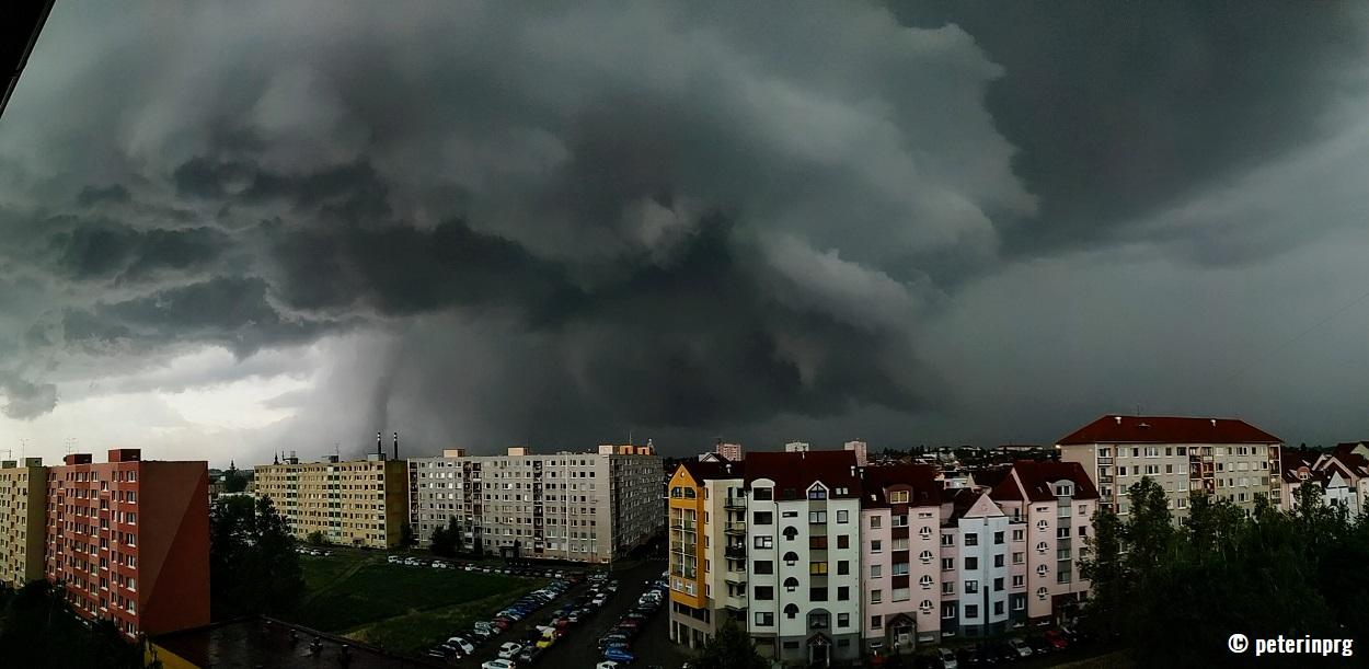 europe-severe-weather-tornado-hodonin-czech-republic-supercell